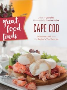 Food, cooking and restaurants reflect the spirit of Cape Cod, the people who live there, and their many cultures and cuisines. Culinary traditions here are firm, but there is a dynamic food/dining evolution taking place––from the finest white tablecloth restaurants to homey mom and pop cafes, and chic new eateries. Great Food Finds Cape Cod features recipes for the home cook from the region's most celebrated eateries alongside beautiful photography.